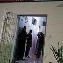 Movimentação de policiais no hotel chavier, onde houve o crime