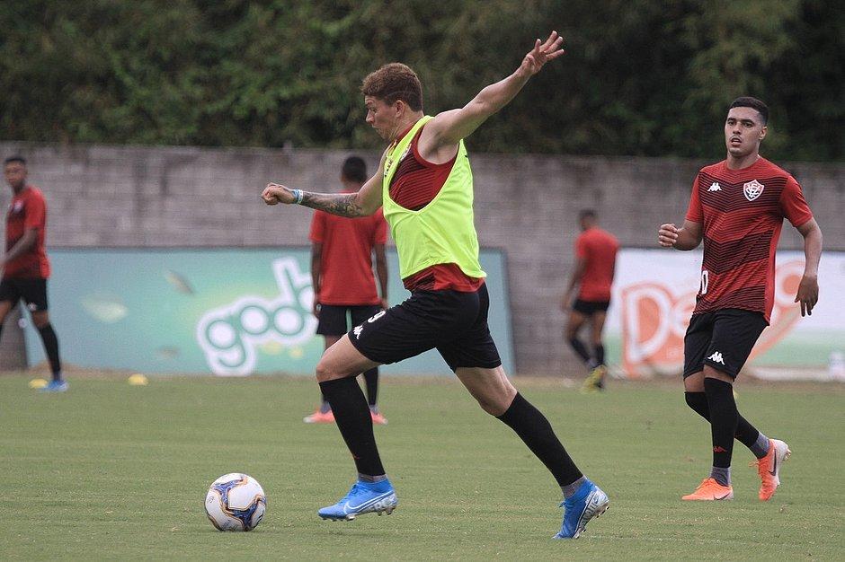 Centroavante Júnior Viçosa é um dos novos contratados do Leão