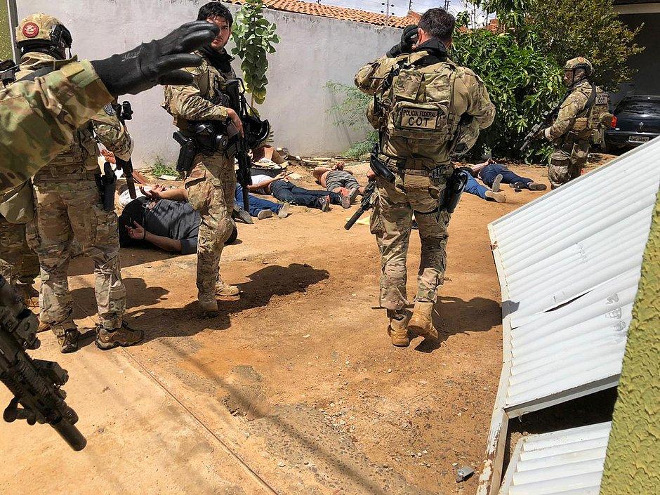 Doze são presos em operação na BA, PE e SP contra roubos a carros-fortes