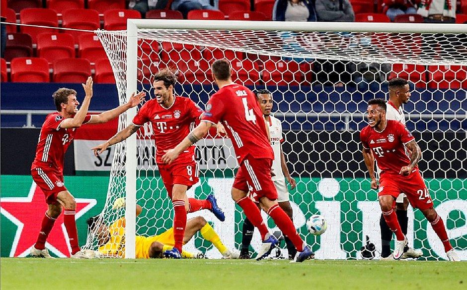 Javi Martinez marcou gol do título do Bayern na Supercopa da Europa
