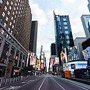 Times Square, em Nova York, vazia por causa do novo coronavírus: covid-19 já causou mais mortes nos EUA que o 11 de setembro