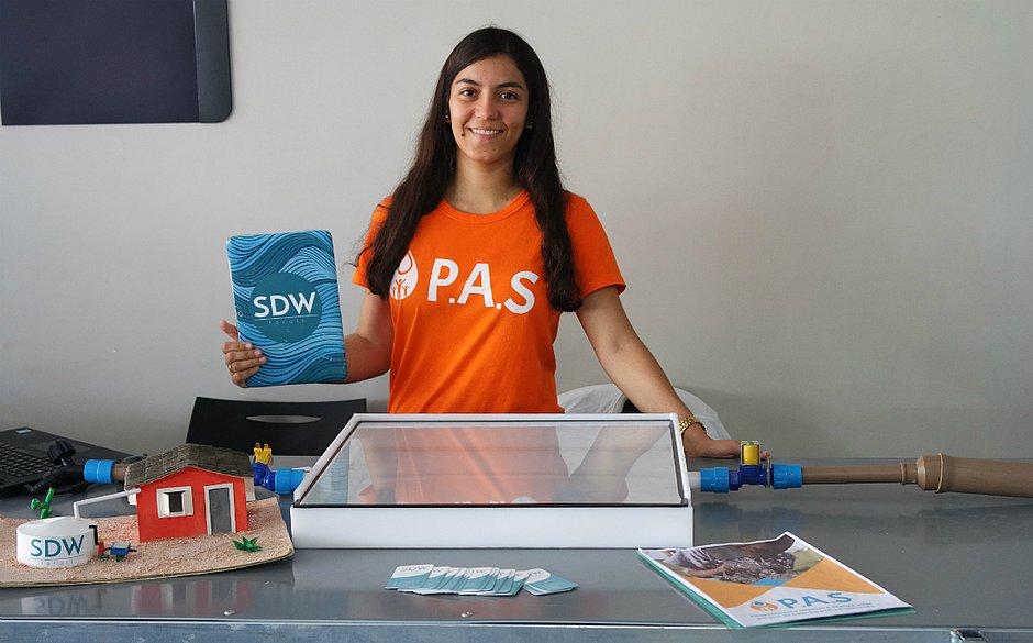 Anna Luisa é a estudante baiana que lidera a startup SDW, que busca descontaminar a água com radiação solar