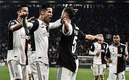 Com gol de CR7, Juventus vence e assegura liderança do Italiano
