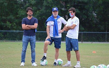 Técnico Mano Menezes é quem tem o papel de indicar os jogadores que o Bahia deve buscar no mercado
