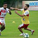Eduardo volta ao time após suspensão. Já Allione não pode atuar contra o Palmeiras