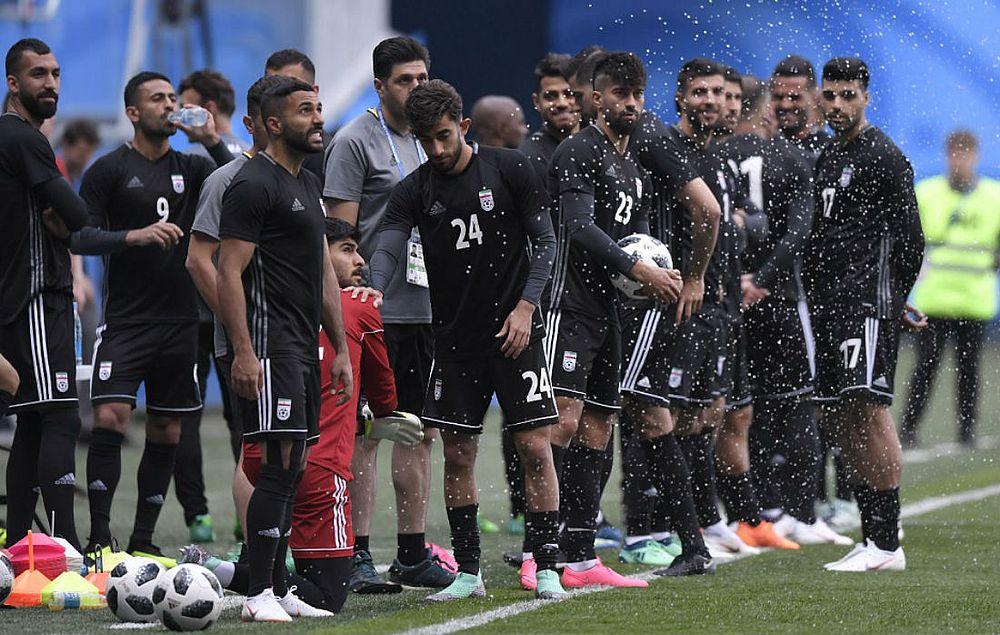 96dc7e20b0ec7 Jogadores do Irã treinam em São Petersburgo (Foto  Gabriel Bouys AFP)