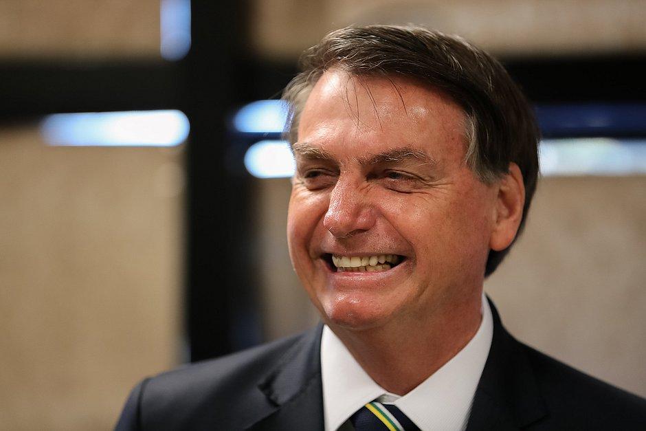 Bolsonaro veta uso de máscara obrigatória no comércio e templos – Jornal Correio