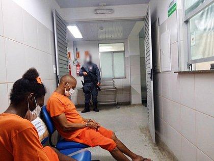 Vírus chega a penitenciárias baianas e servidora testa positivo