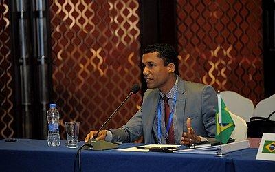 Douglas Nascimento, médico e mestre em Administração, é diplomata Divisão de Ciência e Tecnologia do Itamaraty