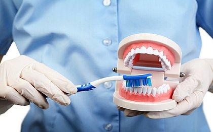 Dores na coluna, problemas respiratórios podem estar ligados à boca