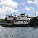 Ferries Monte Serrat e Ipuaçu estão atracados na Marina de Aratu e correm risco de afundar