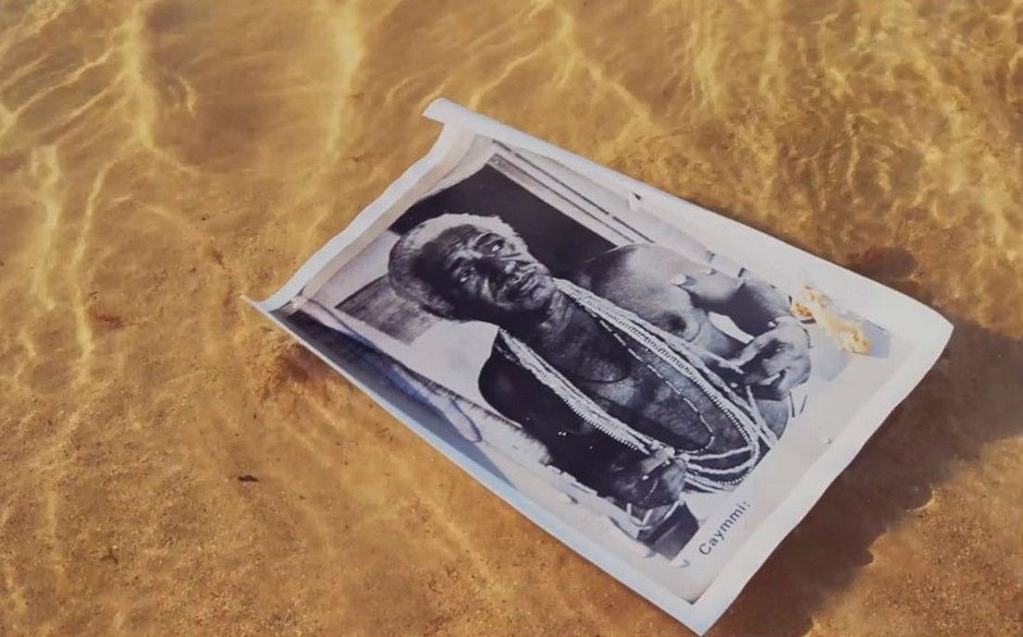 O mar é um recurso bastante utilizado na estética do filme