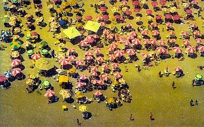 Vista de cima da praia de Jaguaribe, em 1997