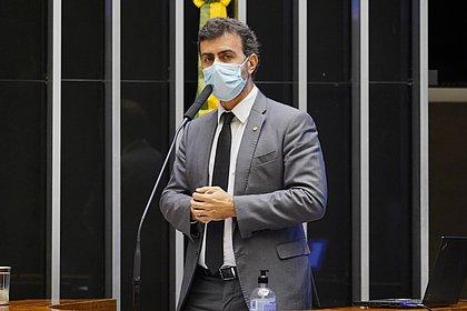 Deputado Marcelo Freixo anuncia saída do PSOL e deve ingressar no PSB