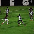 Figueirense e Vitória empatam sem gols no estádio Orlando Scarpelli, em Florianópolis