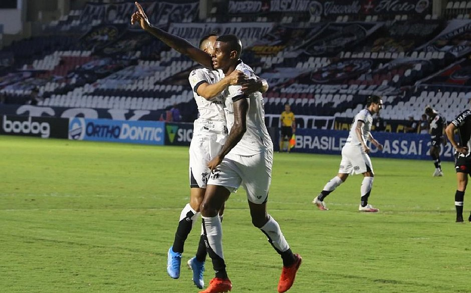 Com vitória, Ceará subiu para a 10ª posição