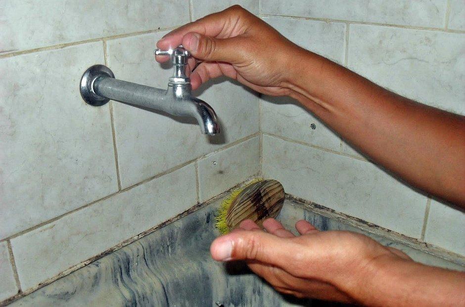Obra deixa 25 localidades de Salvador sem água na segunda (3)