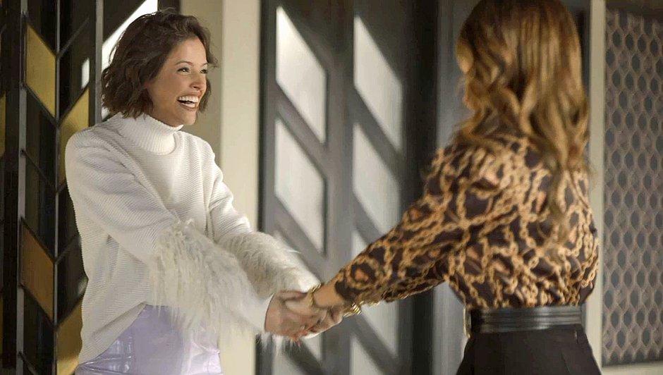 Jô (Agatha Moreira) consegue convencer a Maria da Paz (Juliana Paes) a passar a fábrica para o seu nome, em A Dona do Pedaço