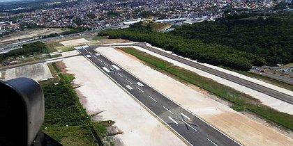 Além da pista principal, a auxiliar também está apta para atender vôos de grande porte