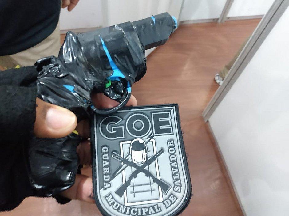Guarda Municipal apreende simulacro de arma de fogo no Campo Grande