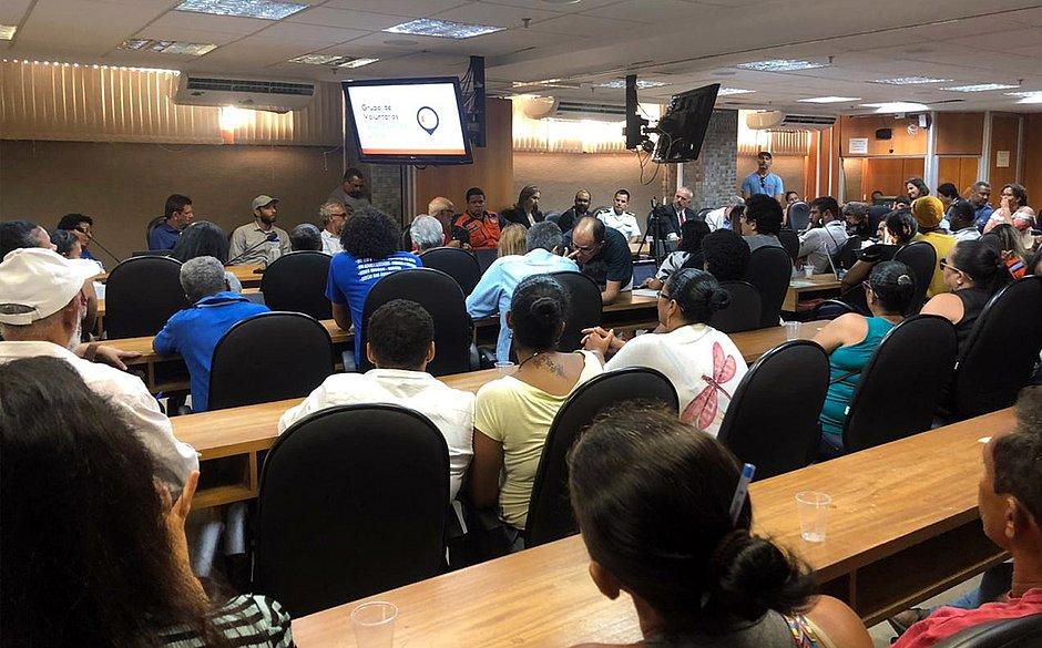 Audiência em comissão na Assembleia Legislativa, no CAB, reuniu trabalhadores e deputados