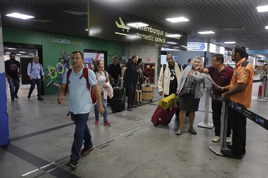 Aeroporto de Salvador emite avisos sonoros sobre vírus nos terminais de embarque e desembarque internacional e doméstico