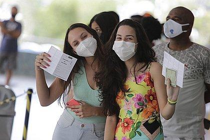 Salvador continua a vacinar adolescentes sem comorbidades nesta segunda (20)
