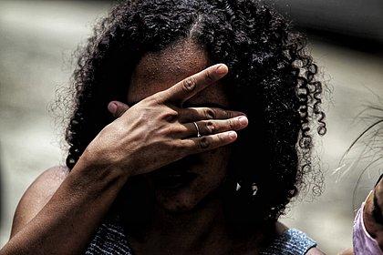 'Ele vai fazer alguma coisa com a gente', teme viúva de barbeiro morto no Imbuí
