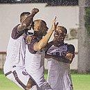 Dinei marcou os dois gols do Jacuipense na virada sobre o Vitória