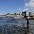 Pescadores cobraram mais agilidade das autoridades para resolver o problema