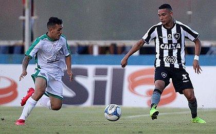 Botafogo perde o fôlego e leva virada da Cabofriense por 3x1