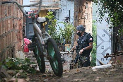 Mãe é presa por permitir estupro da filha pelo padrasto na Bahia