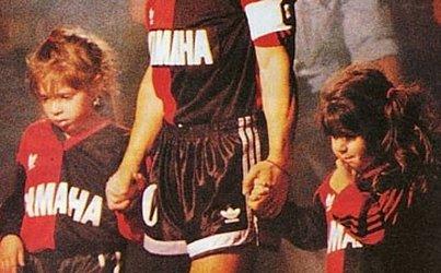 Entre 1993 e 1994, foi a vez do Newell's Old Boys ter o ídolo na equipe