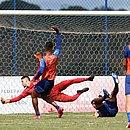 Daniel fez o gol do triunfo dos reservas sobre o time sub-23, na Cidade Tricolor