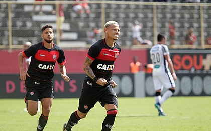 A última vez que o Vitória ganhou do Ceará foi em 2018, com gols de Wallyson e Neilton (foto); Wescley descontou
