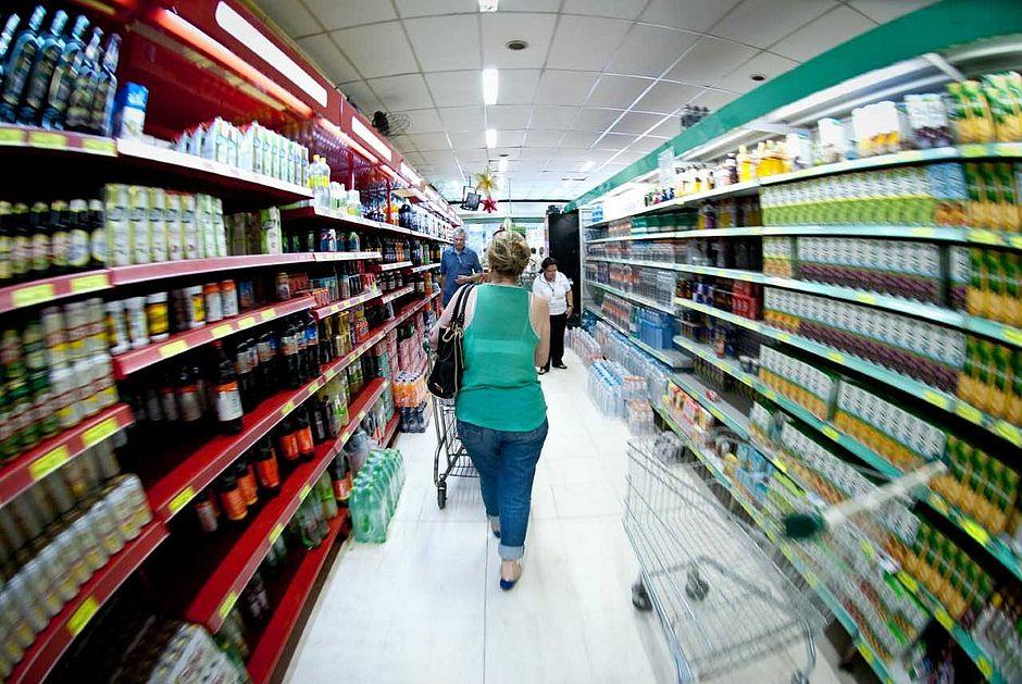 Dez dicas para gastar menos e proteger o meio ambiente no supermercado