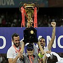Seu Adherbal foi capitão do Bahia por um dia e ergueu a taça de campeão baiano em abril