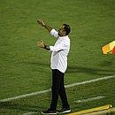 Técnico Wagner Lopes durante o jogo do Vitória contra o Remo