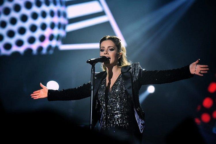 Com virose, Sandy desabafa sobre shows da turnê: 'Achei que não fosse conseguir'