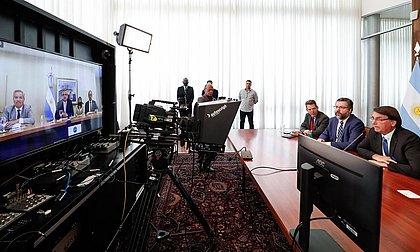 Bolsonaro e Fernández, presidente da Argentina, têm primeira reunião bilateral