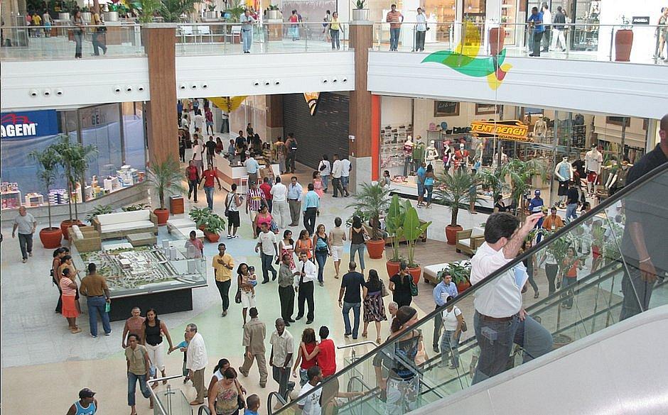 Amparadas em liminar, lojas de shoppings abrem neste domingo