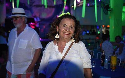 A professora Sandra Ferraz tem 66, mas se sente com 40 anos