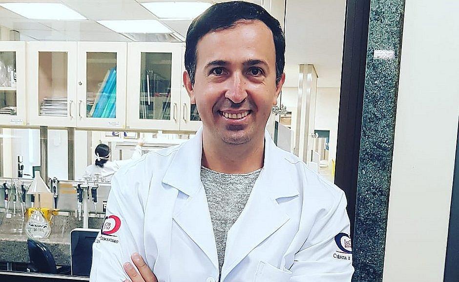 Promessa de vacina da covid-19 no SUS em 2020 é 'muito irreal', diz pesquisador baiano
