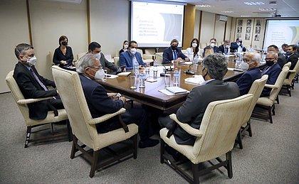 Bruno Reis integra comitiva da Frente de Prefeitos e discute transporte público com Paulo Guedes