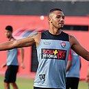 Lesionado, Felipe Garcia desfalca o Vitória contra o Bragantino