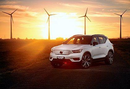 O Volvo XC40 Recharge Pure Electric tem autonomia para rodar até 418 quilômetros com uma única carga