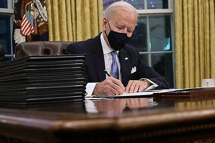 Biden diz que doará vacinas excedentes; Governadores do Nordeste monitoram