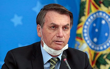 Subprocurador do TCU pede análise dos gastos milionários em férias de Bolsonaro