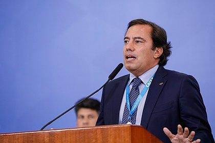 Presidente da Caixa Pedro Guimarães anuncia que testou positivo para covid-19