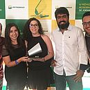Juan Torres, Thais Borges, Clarissa Pacheco, Alexandre Lyrio e Rodrigo Cavalcanti recebem prêmio no Rio